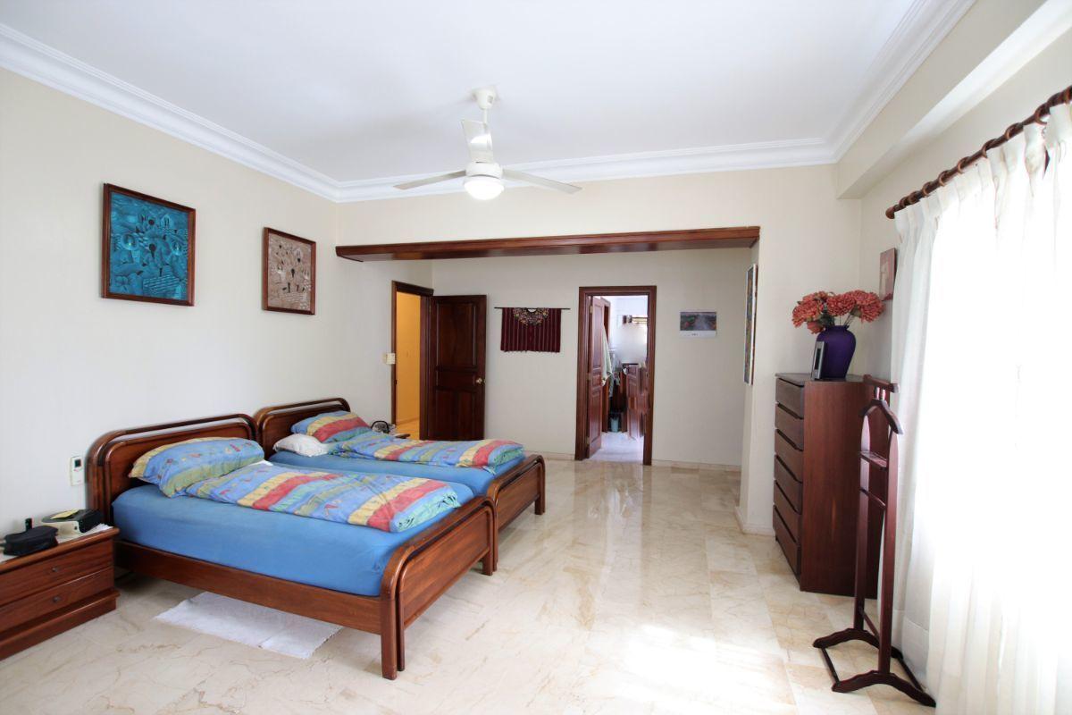 16 de 36: Habitacion principal