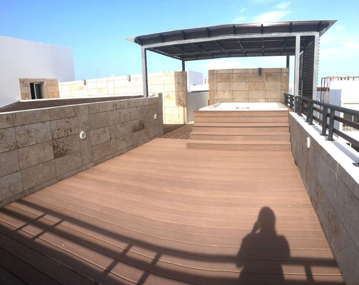 5 of 18: Terrace