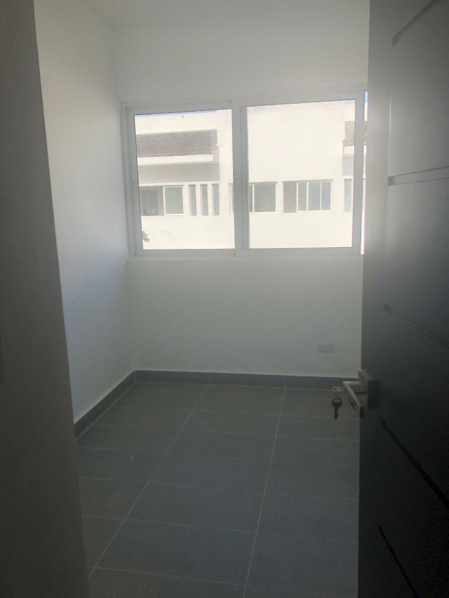 3 of 18: Bedroom 3