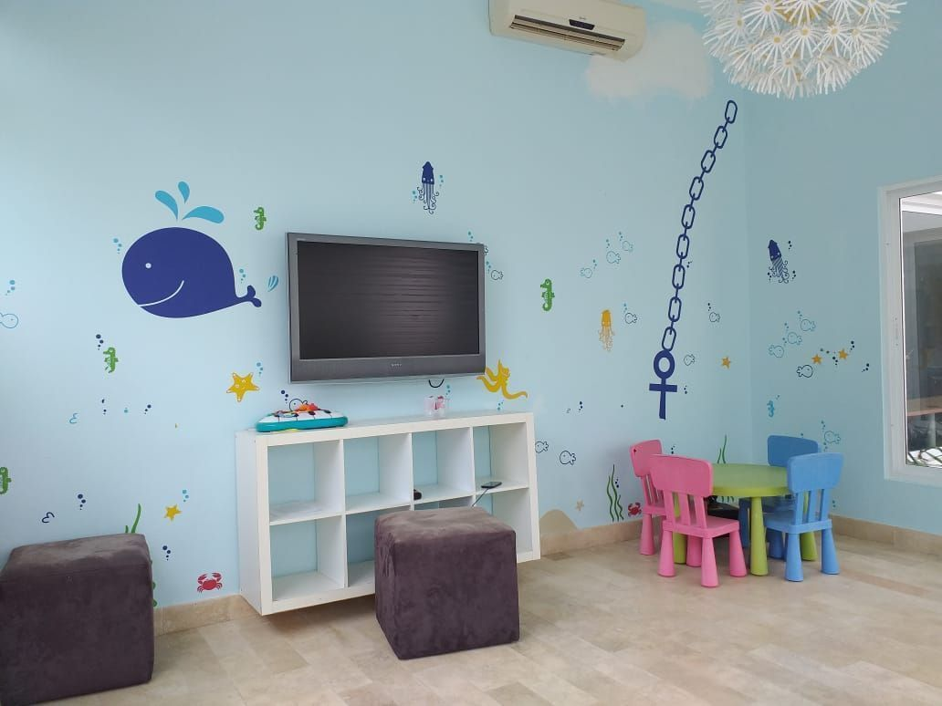 18 of 18: For Kids - Common Area