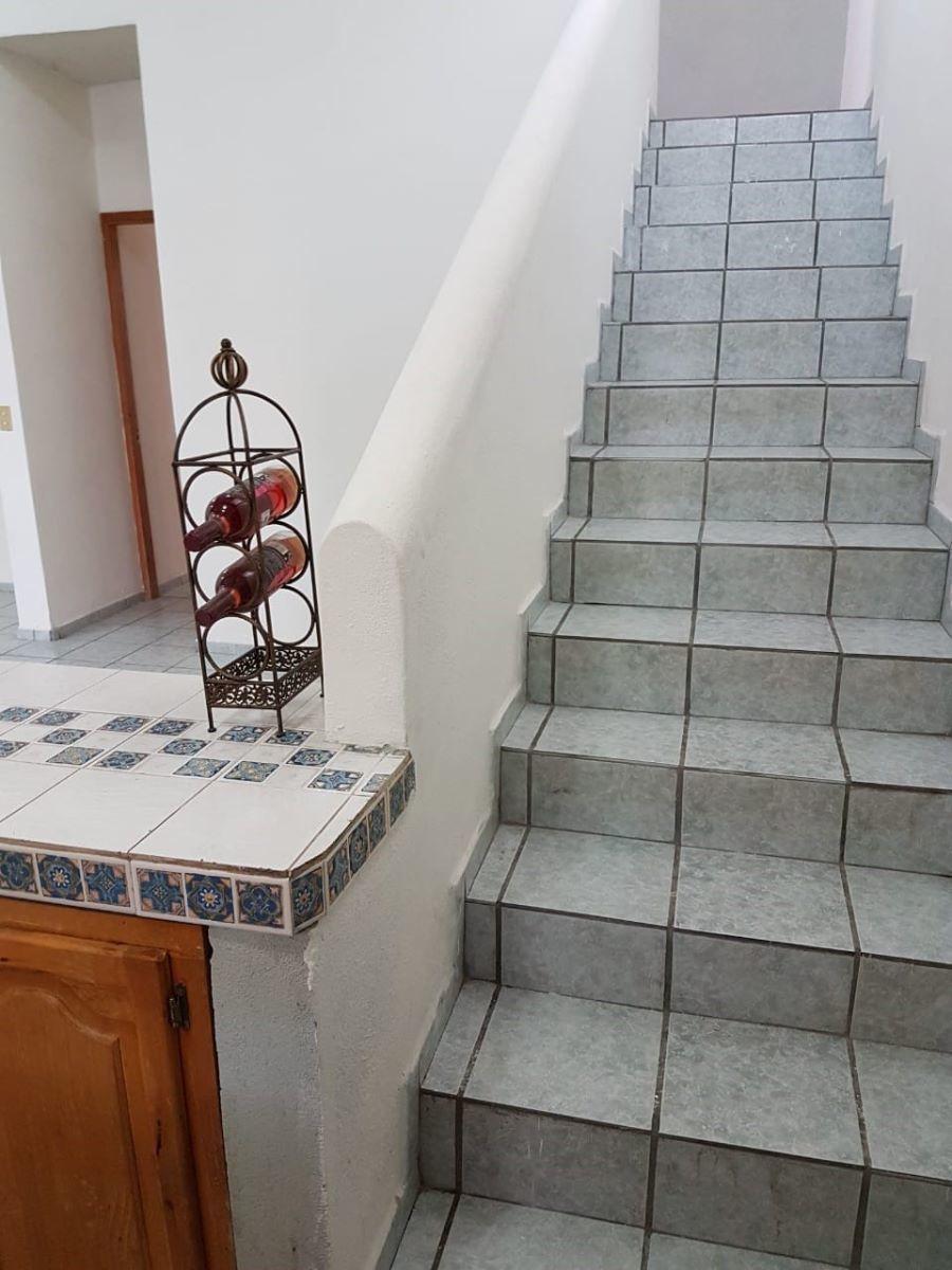 6 de 12: escalera para area de lavado
