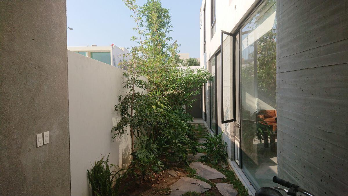 8 de 36: Jardín ecológico