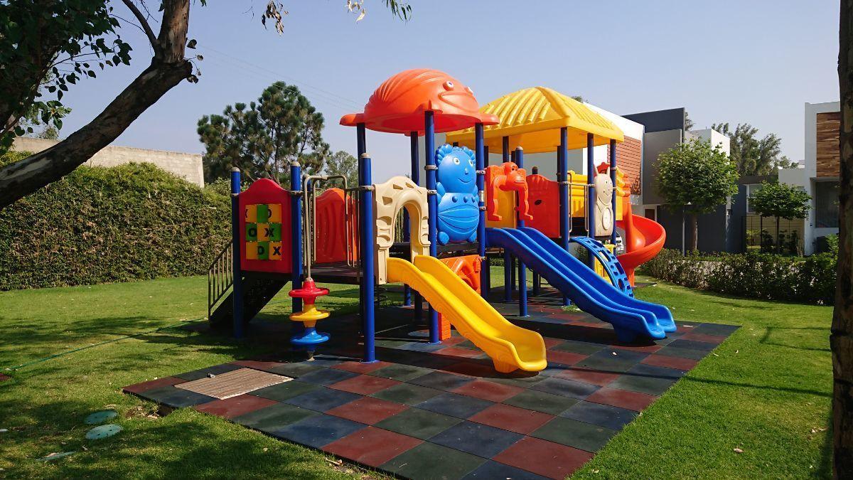 34 de 36: Área de juegos infantiles