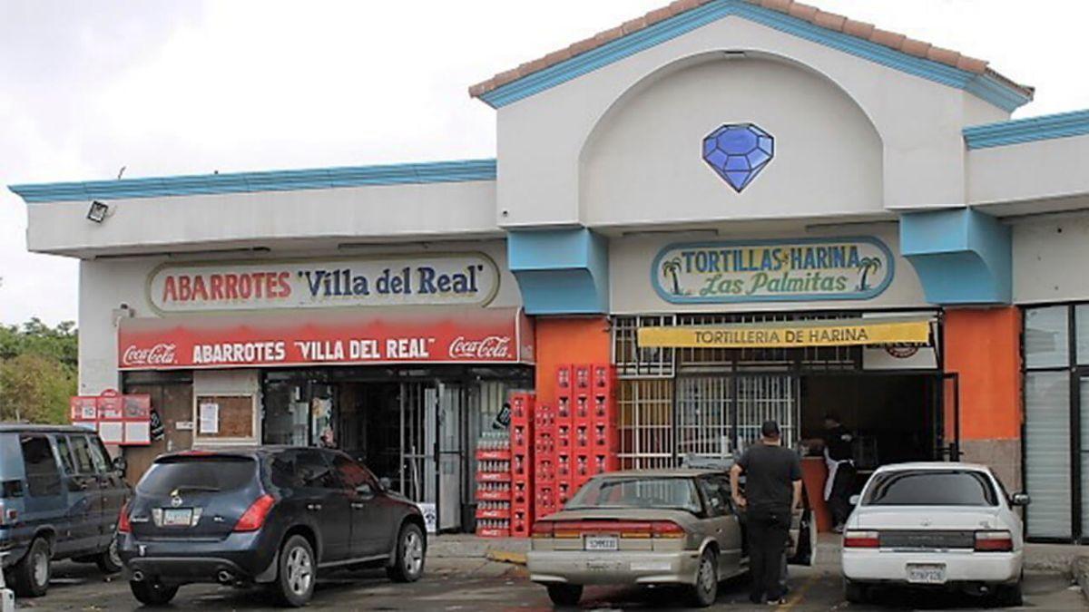 2 de 5: Locales en Venta en Plaza Diamante PMR-24