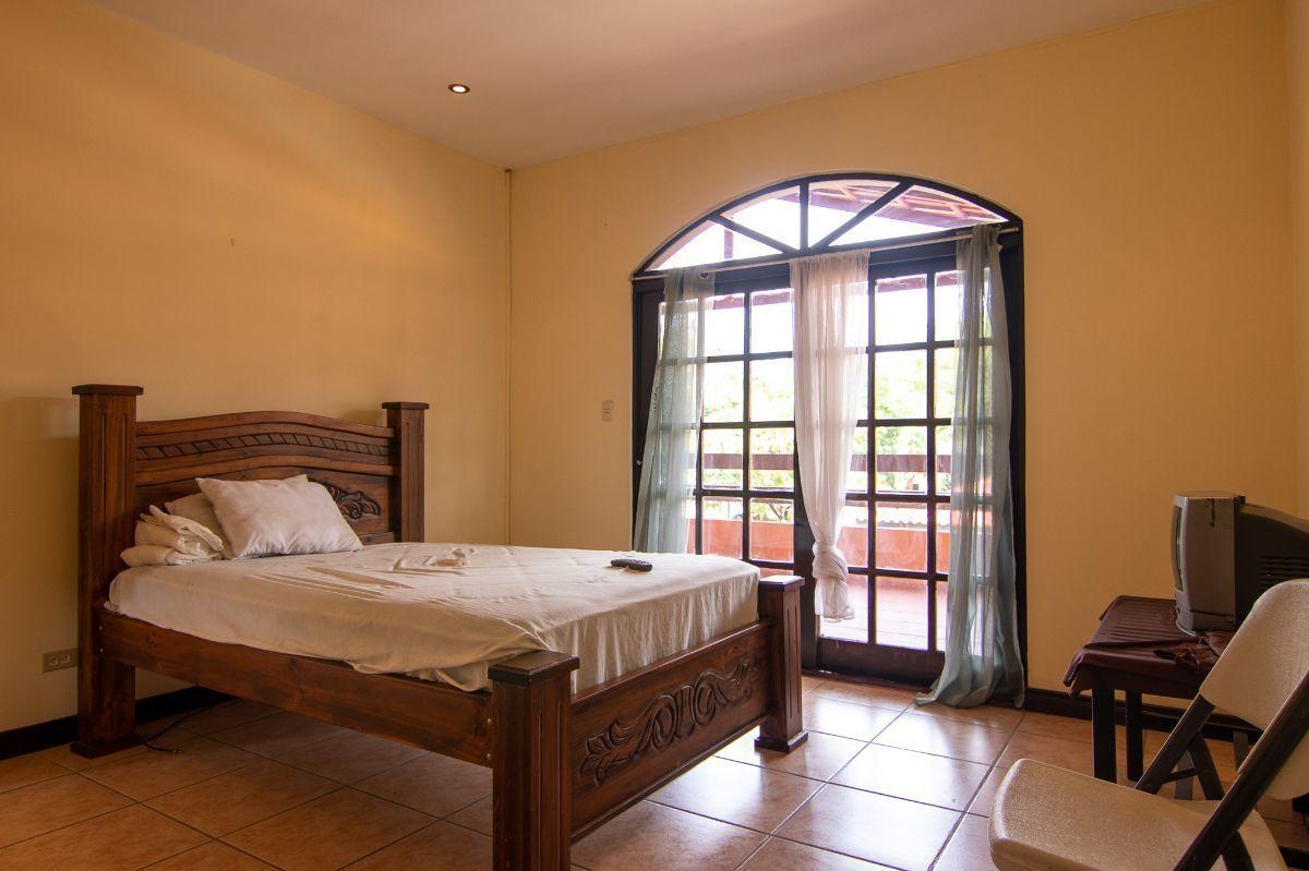 5 of 9: Bedroom