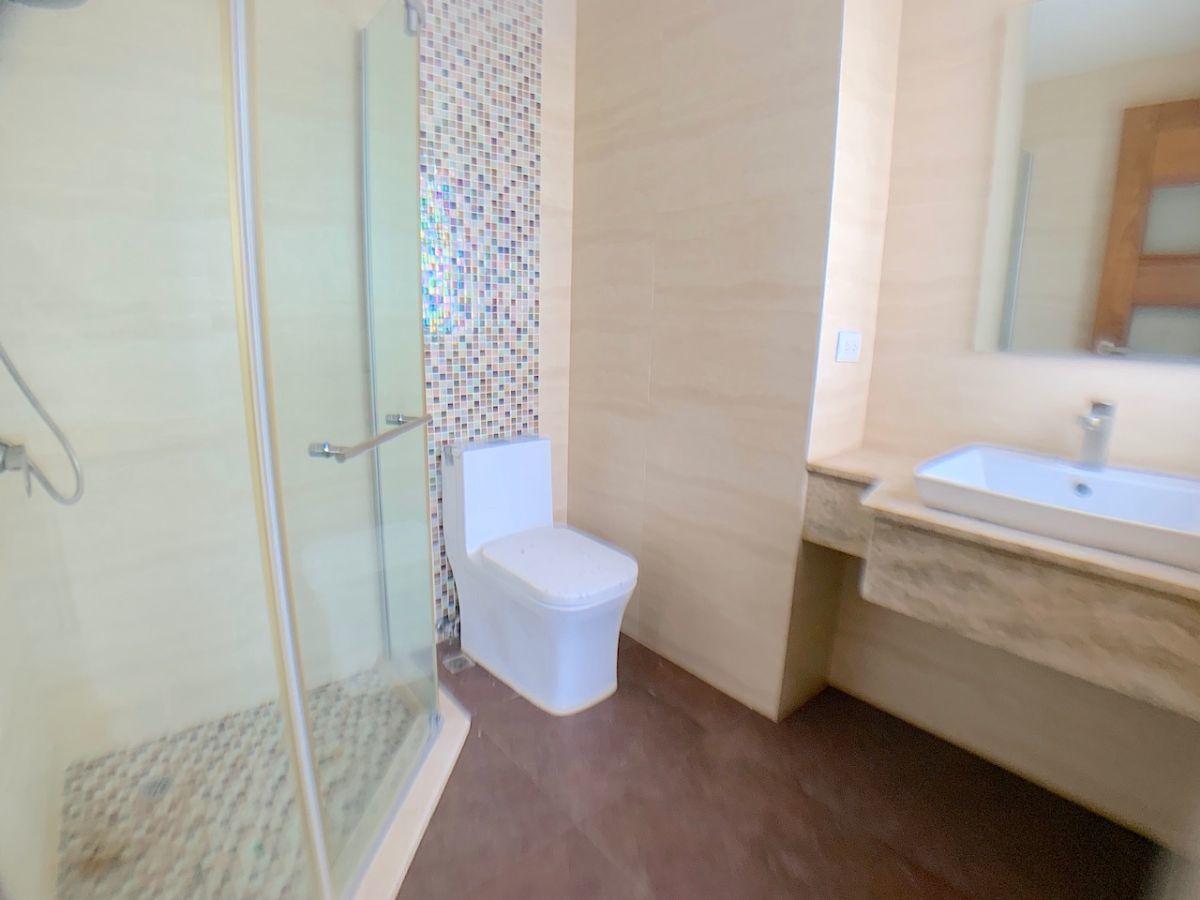 5 de 17: Baño habitación secundaria