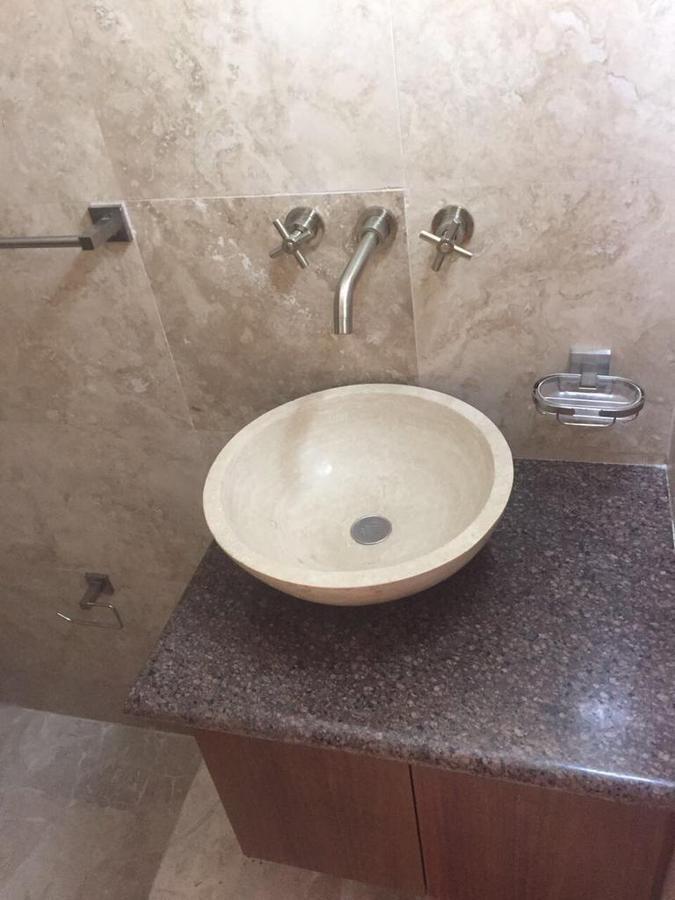 34 de 50: medio baño