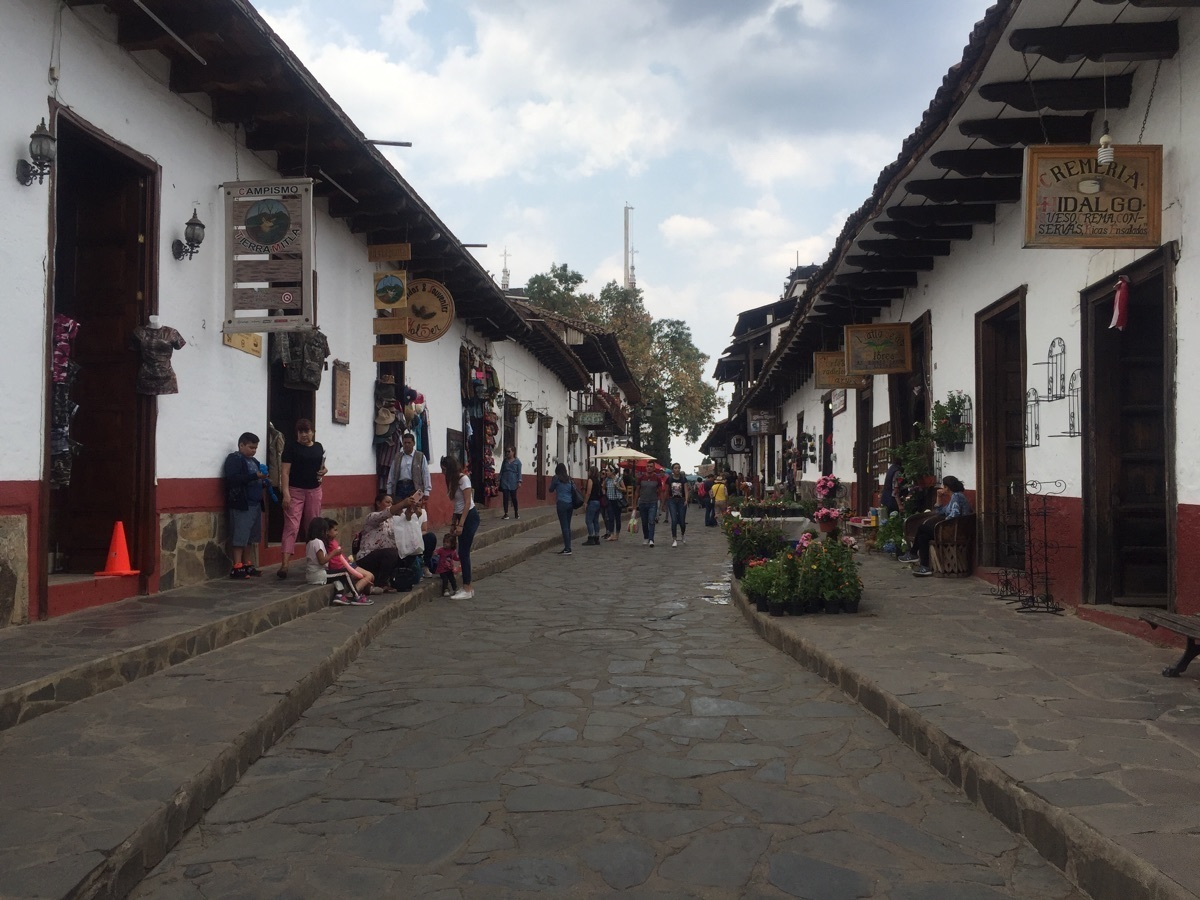 1 de 2: Calle de Mazamitla