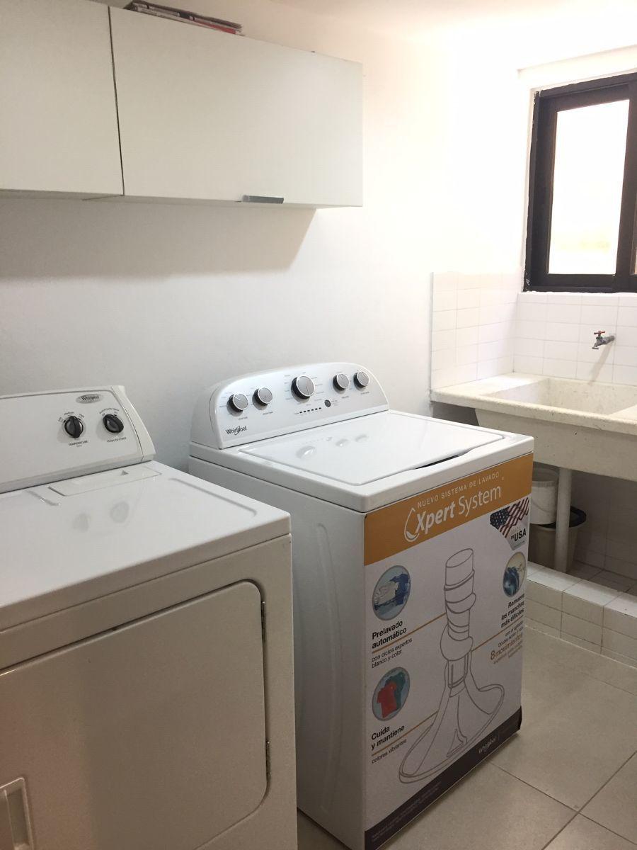 17 de 17: Amplia y ventilada area de lavado.