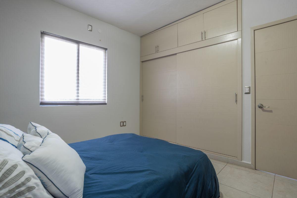 13 de 17: Recamara principal con closet