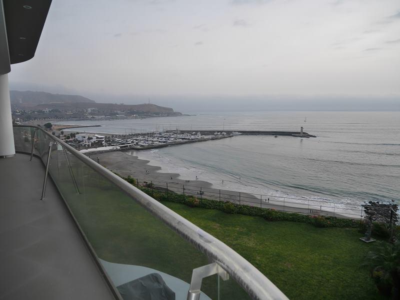 24 de 26: Vista desde balcón salida del comedor