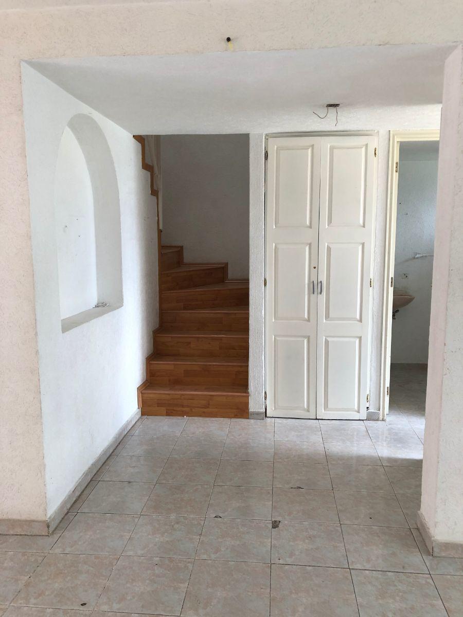 10 de 18: Escaleras PB