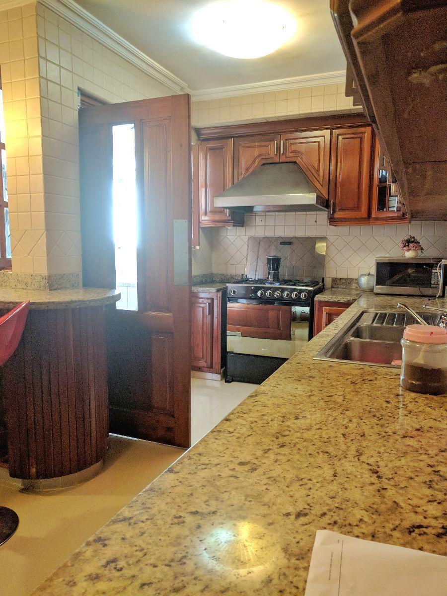 10 de 23: Otra vista de la cocina