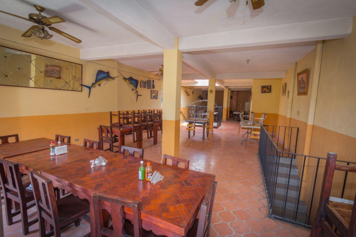 5 of 5: Segundo Nivel del Restaurante
