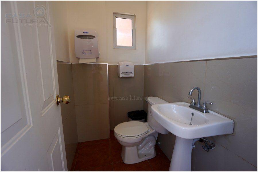 22 de 38: 2 baños en area social