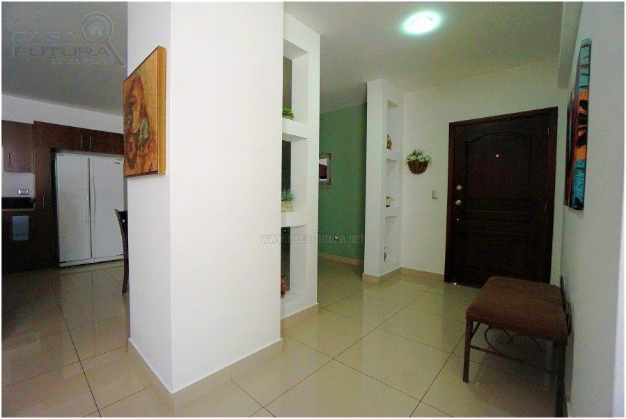 35 de 38: Entrada al apartamento