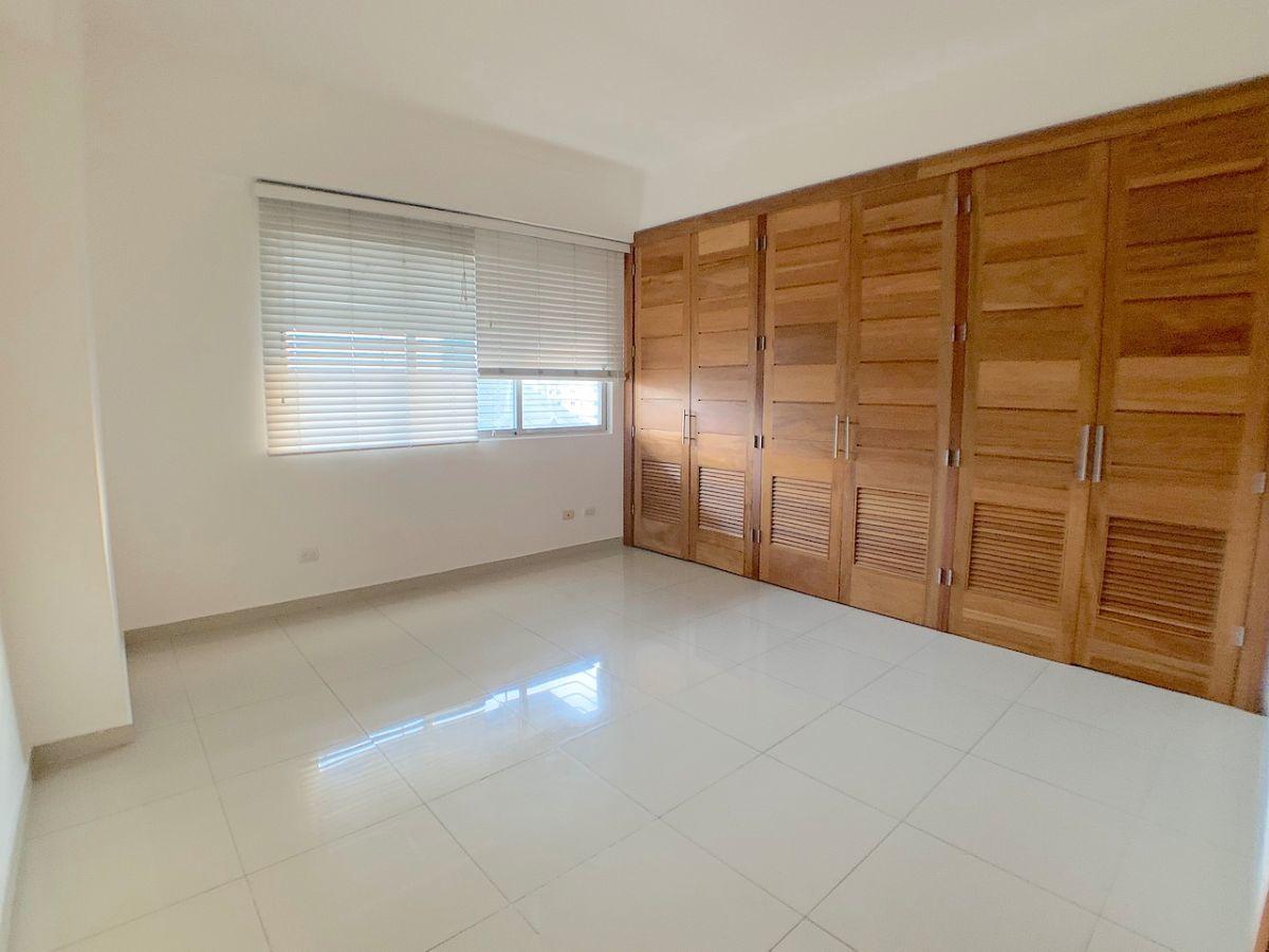 9 de 18: Habitaciones con closet