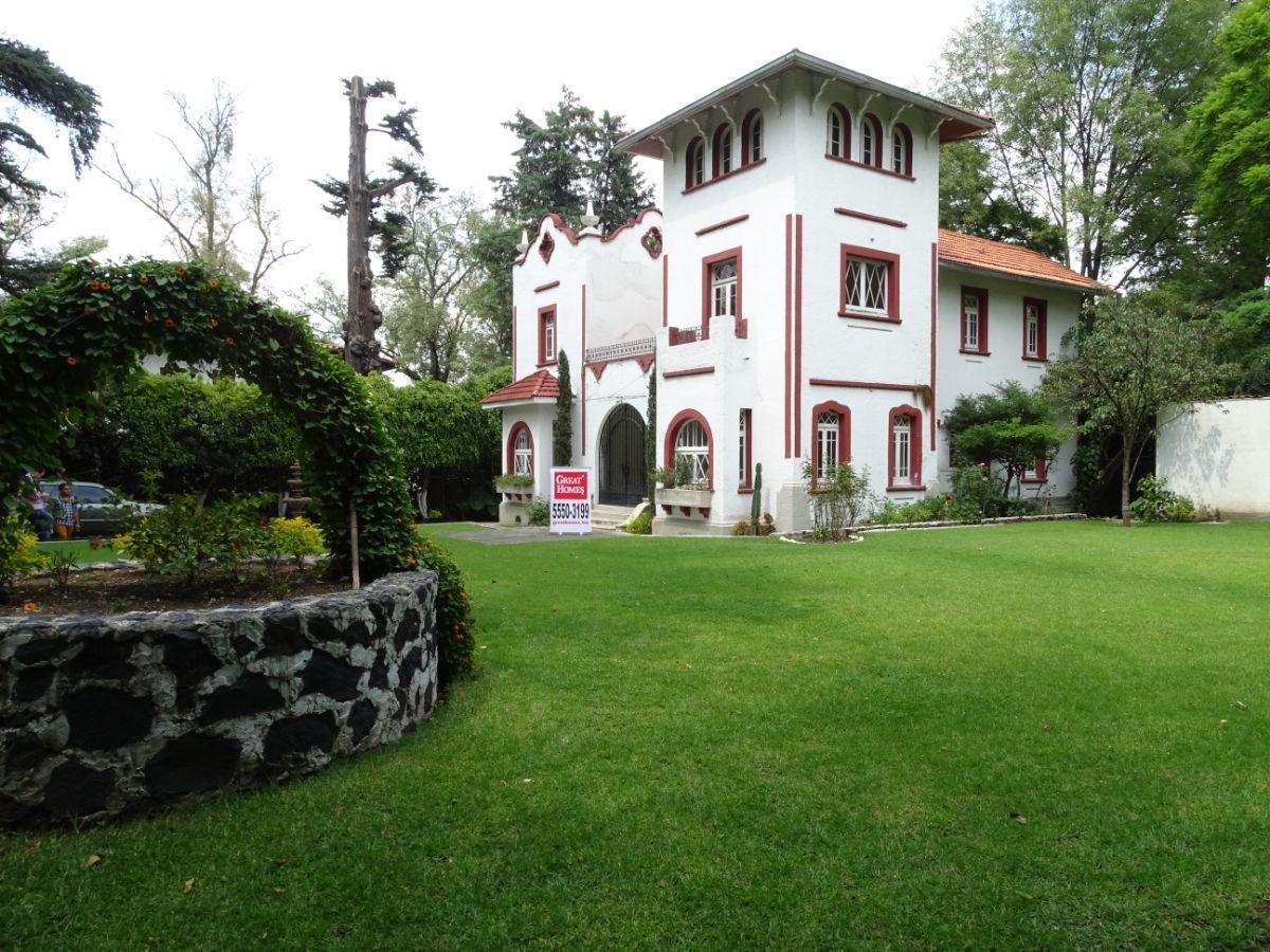 10 de 30: El jardín rodea la casa