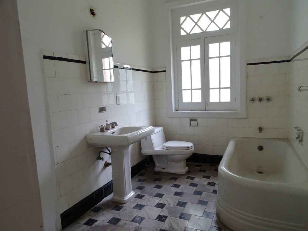 24 de 30: Baño 2º nivel