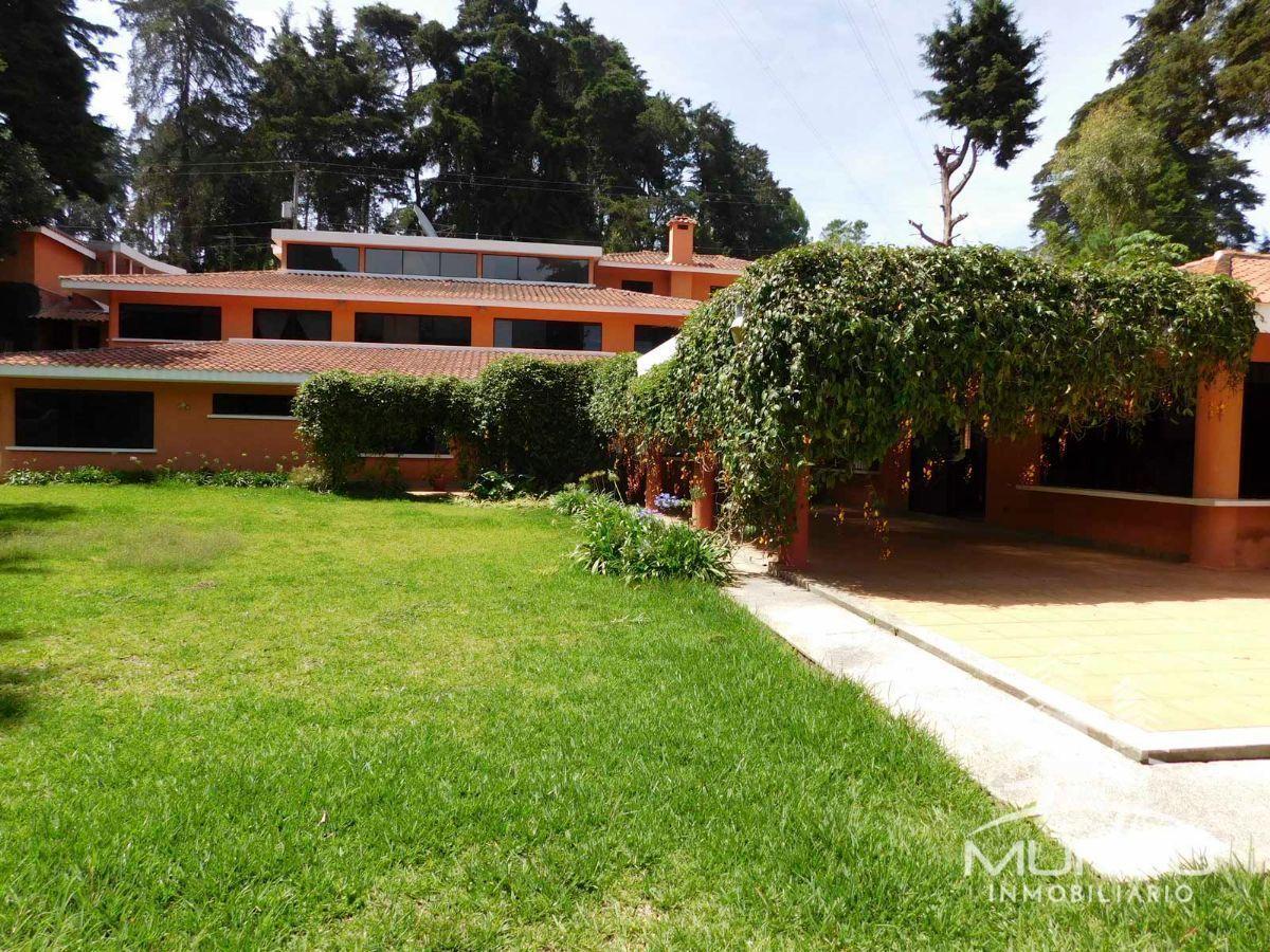 1 de 13: Vista del jardín