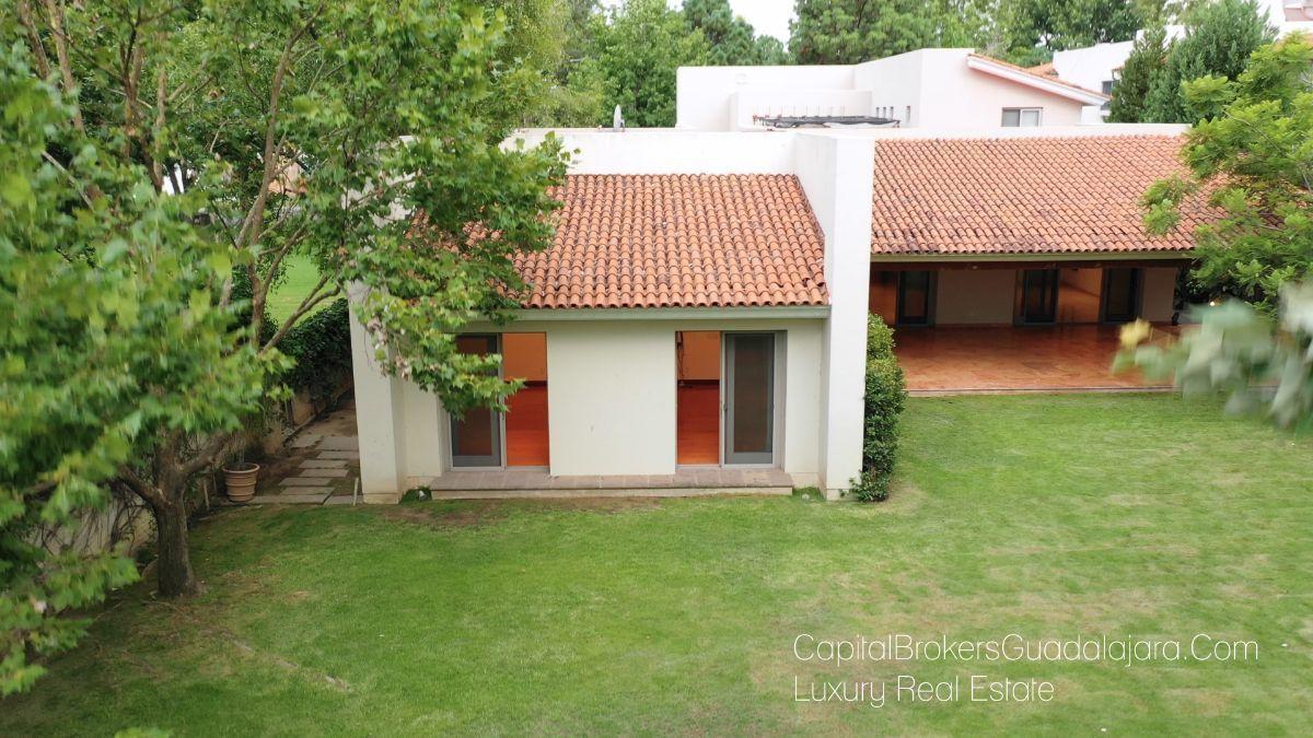 Casa De Lujo De Una Sola Planta En Venta Valle Real