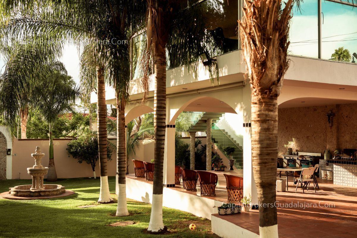 Casa En Venta Con Alberca En Balcones De La Calera
