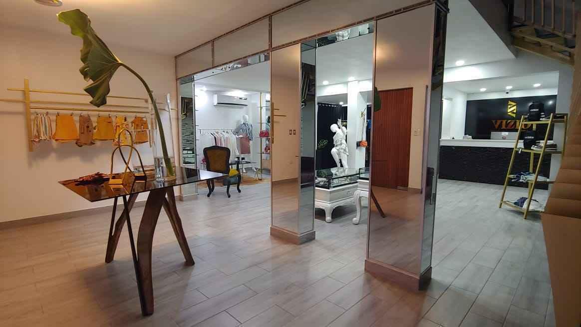 Lujoso local comercial de 2 Niveles + Apartamento en el centro de San Franciscoimage3