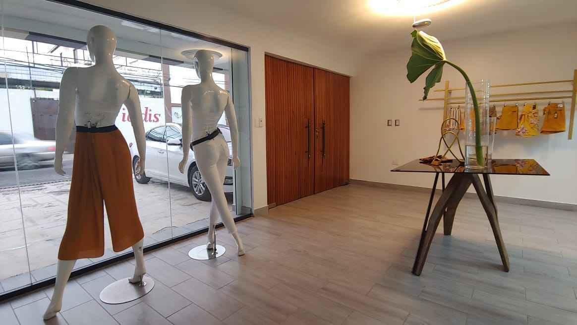 Lujoso local comercial de 2 Niveles + Apartamento en el centro de San Franciscoimage4