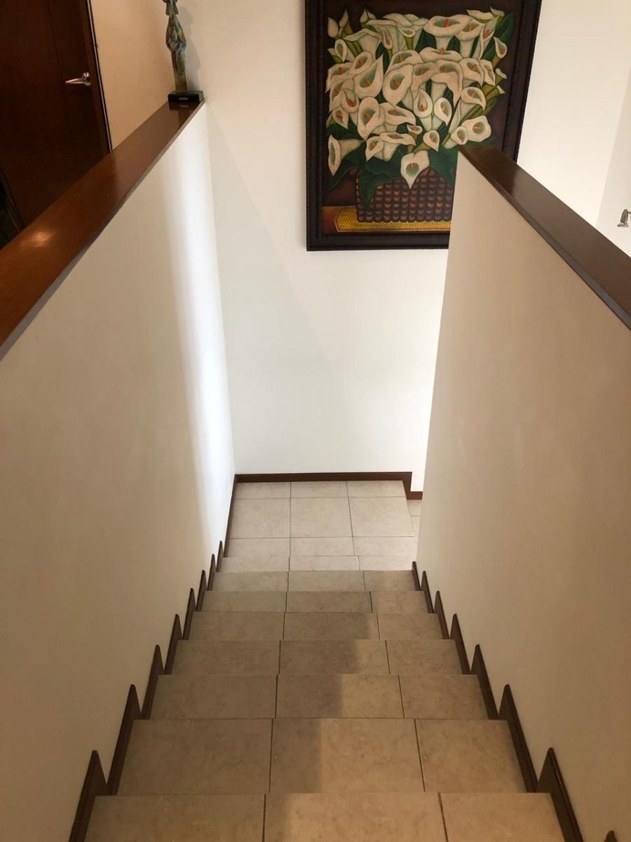 6 de 15: escaleras