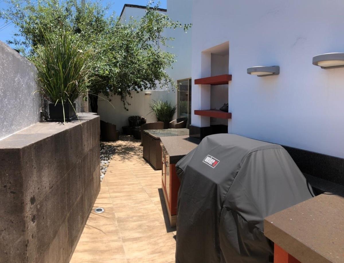 15 de 15: terraza con asador