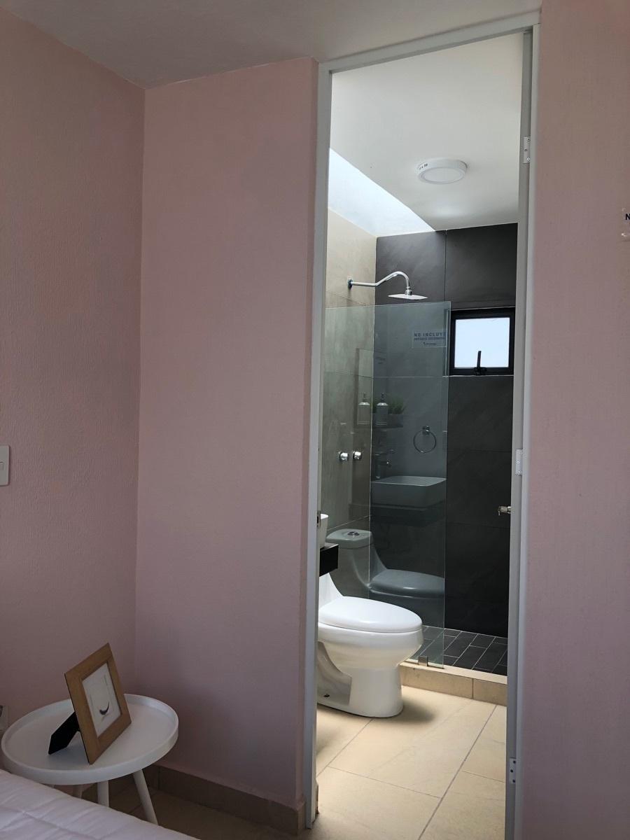 21 de 24: Baño completo