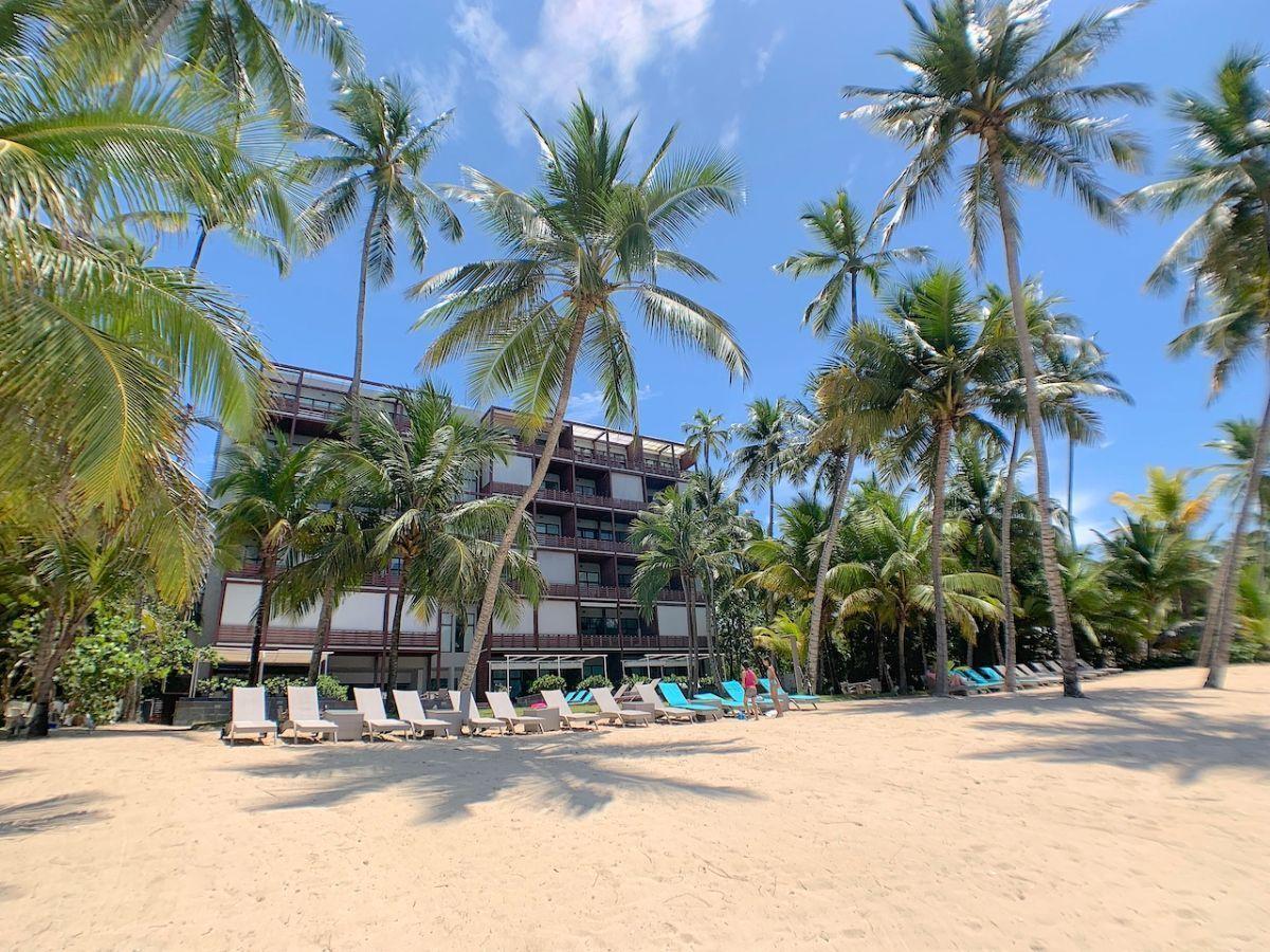 24 de 32: Limpia y bellisima area privada de playa