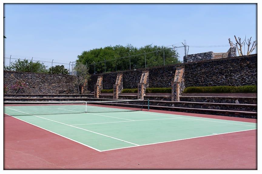 40 de 50: Cancha de tenis