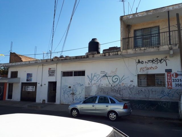 3 de 6: calle santa Laura