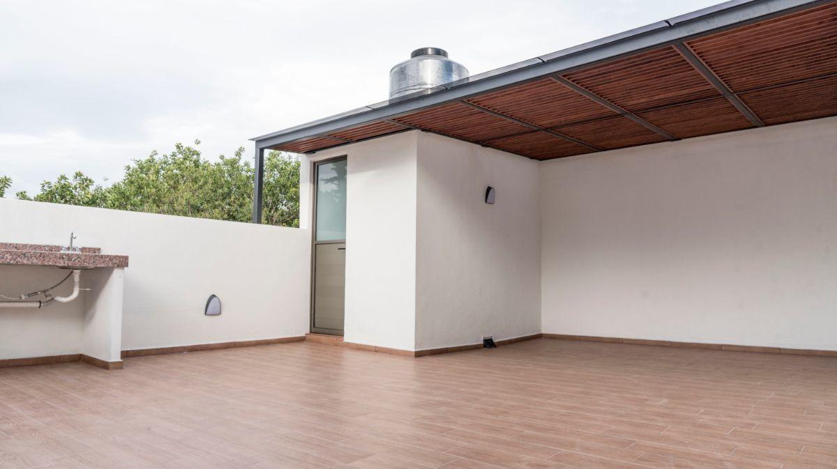 27 de 32: Roof garden con baño y asador