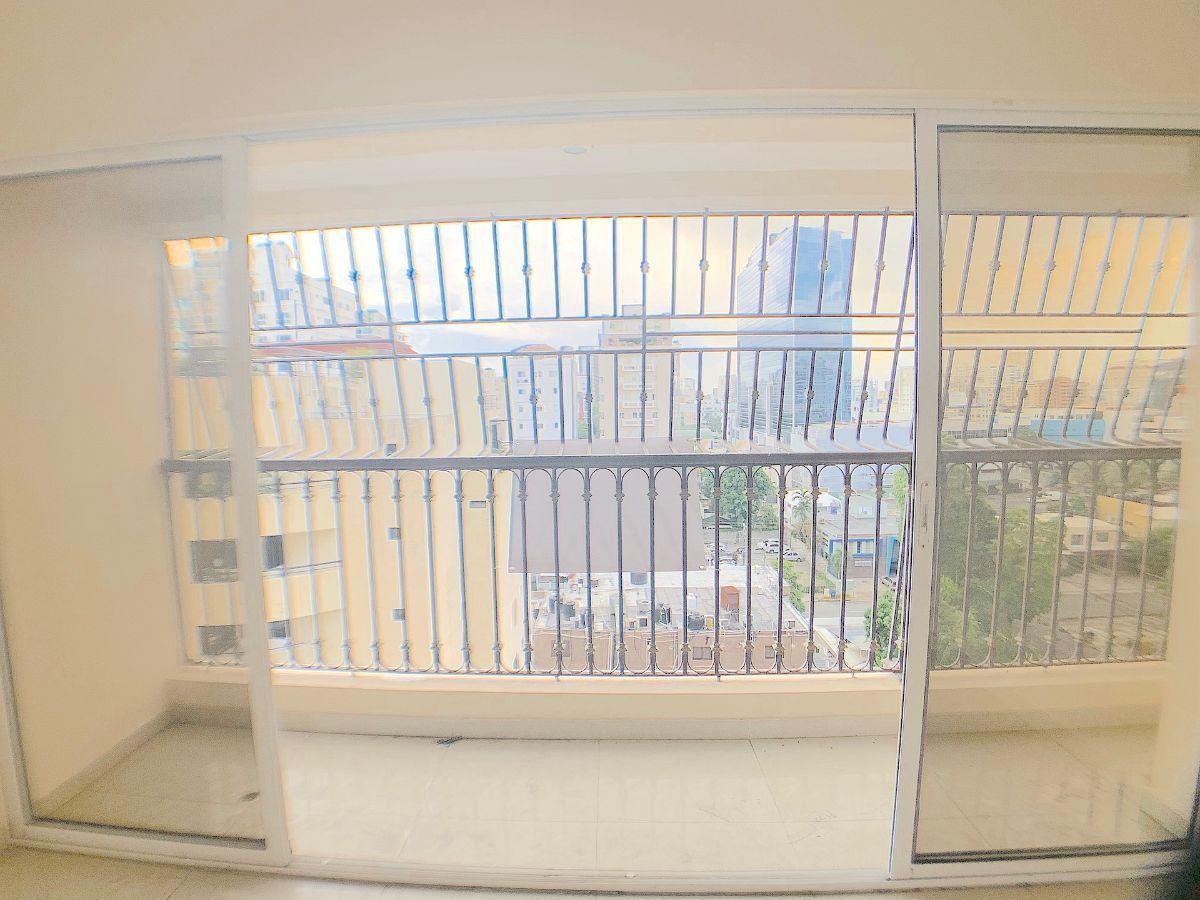 3 de 17: Balcón
