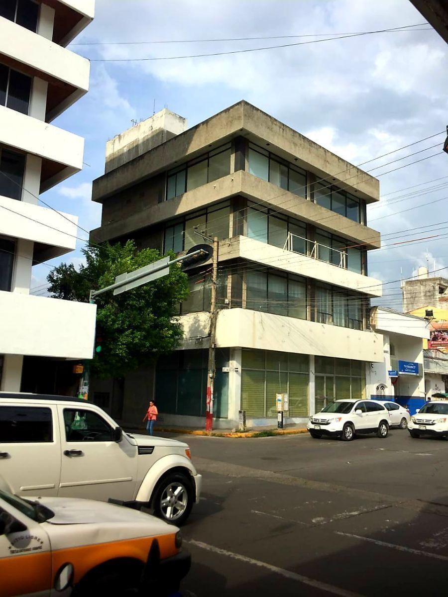 1 de 36: fachada