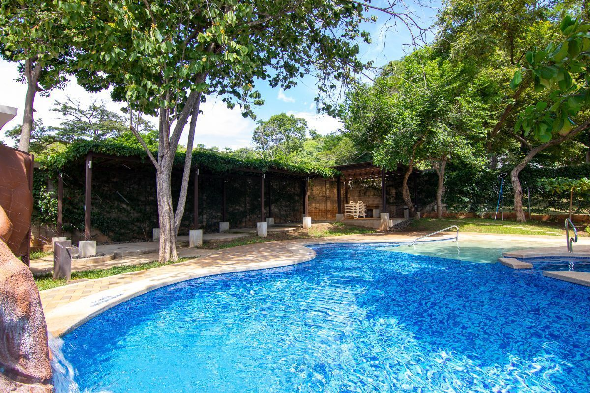 22 of 27: Monte hermoso pool