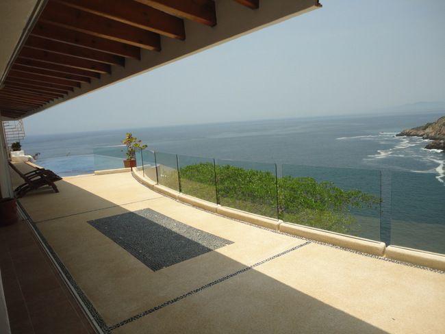 3 de 28: casa con vista a la bahia en las playas de acapulco