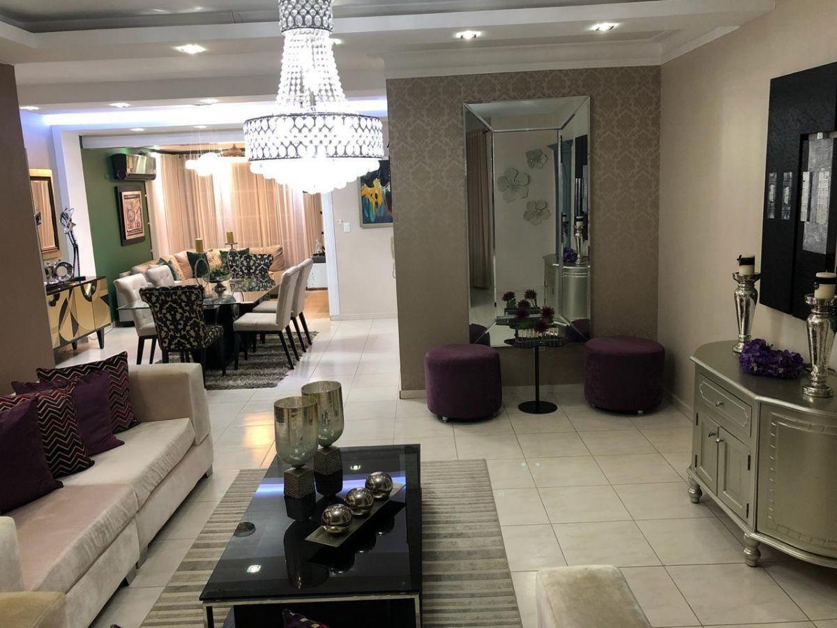 Majestuoso apartamento en Urb. El Doral, con derecho a zoteaimage3