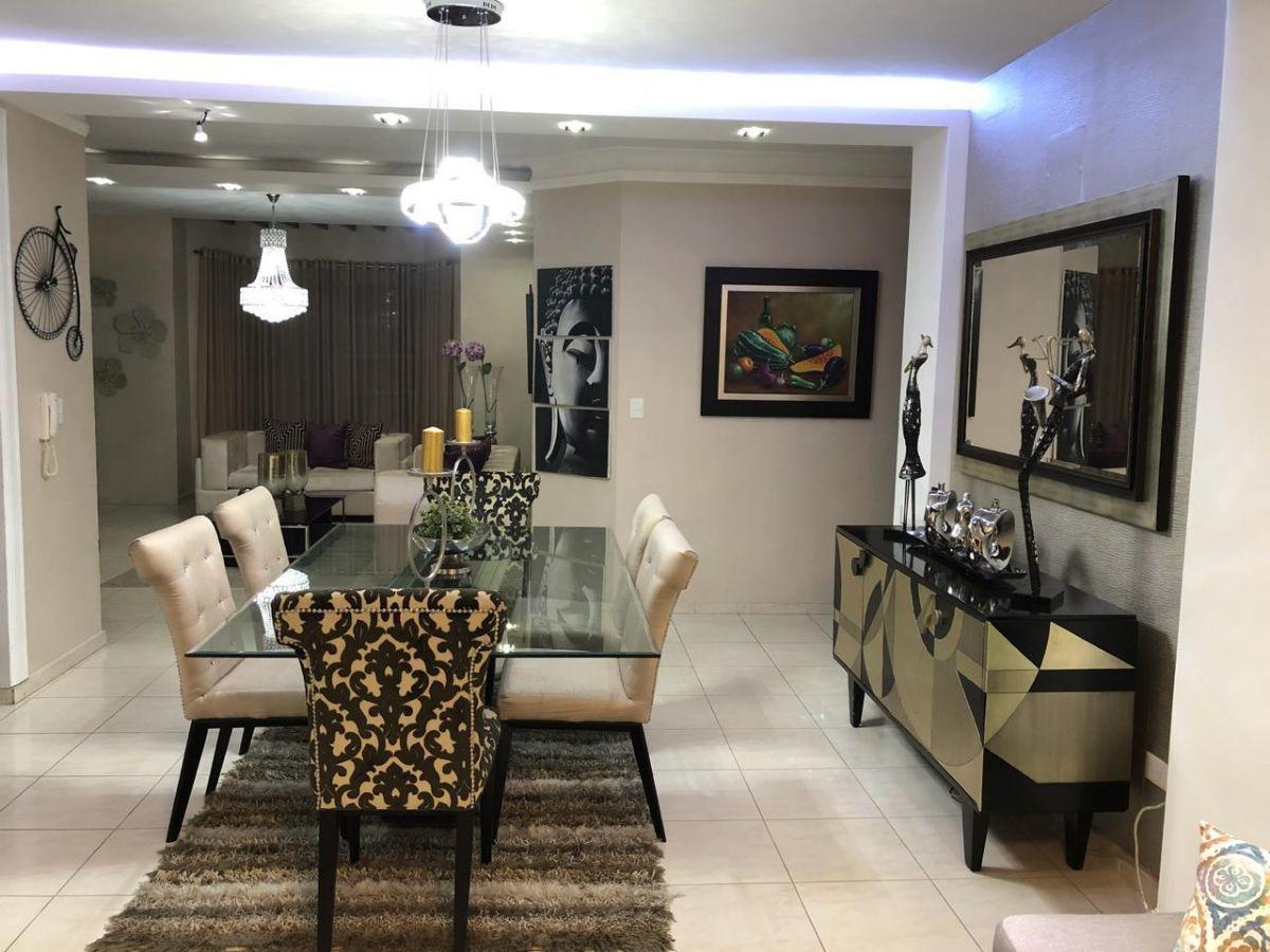 Majestuoso apartamento en Urb. El Doral, con derecho a zoteaimage5