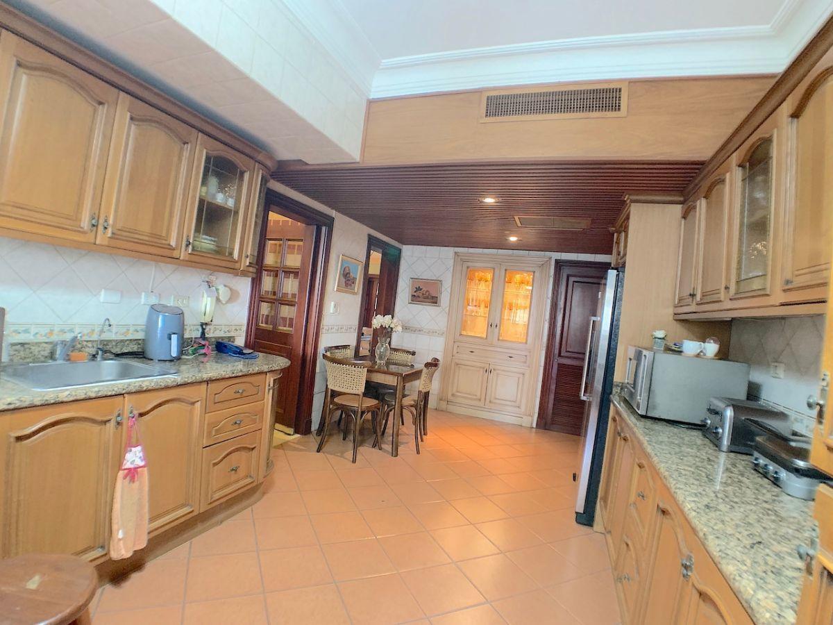 18 de 24: Cocina- Pantry con salida de aire acondicionado