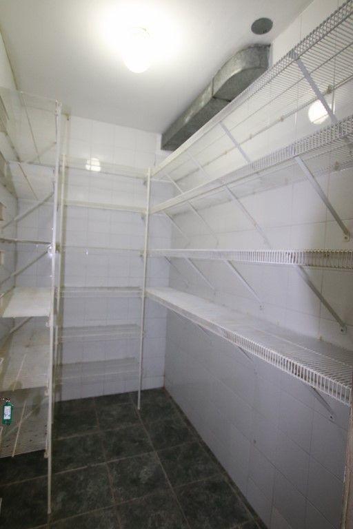 18 de 38: dispensa cocina fria