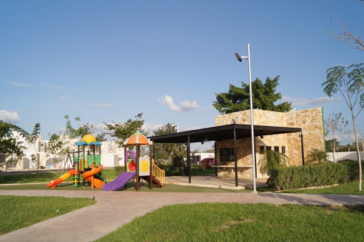 9 de 12: Área de Juegos Infantiles