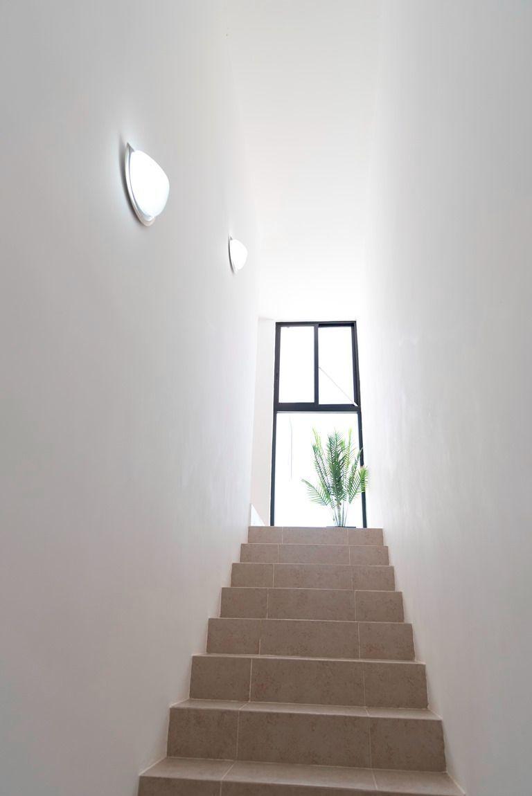 8 de 24: Escalera