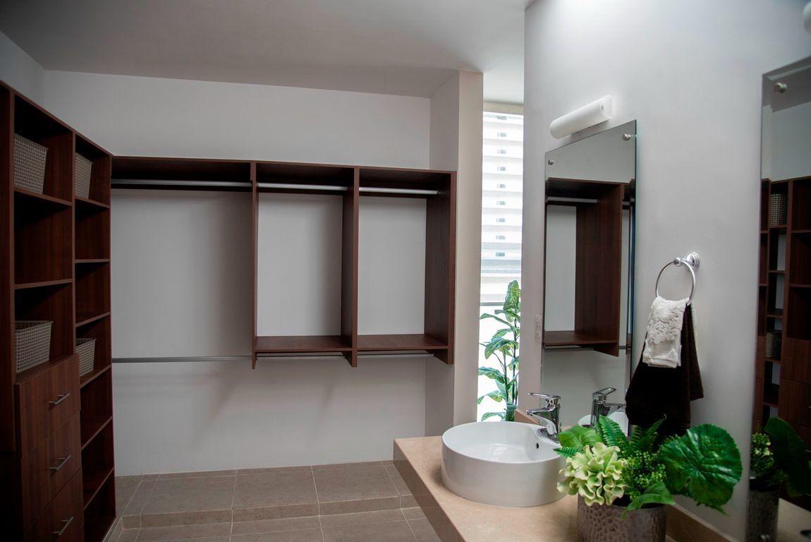 11 de 24: Closet Vestidor (Con Adicional)