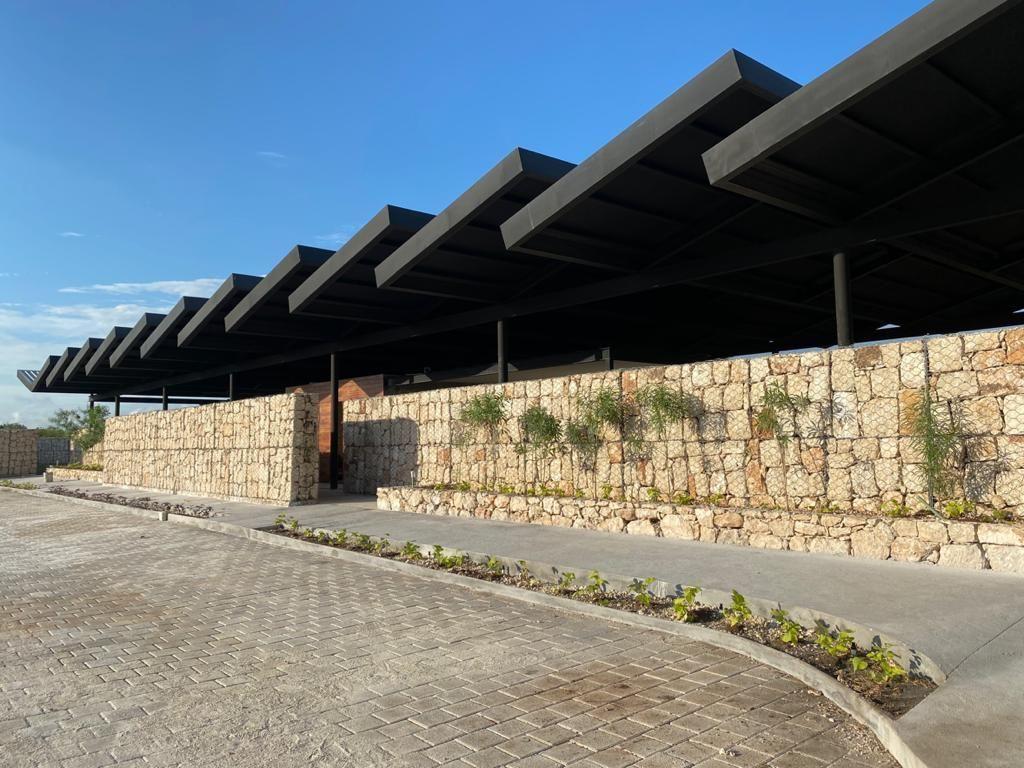 4 de 17: Casa Club Vista Lateral