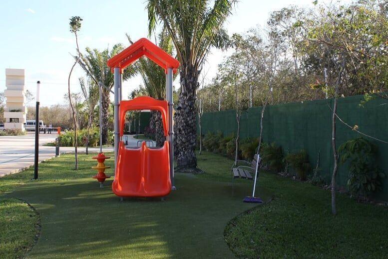 6 de 23: Área de Juegos Infantiles