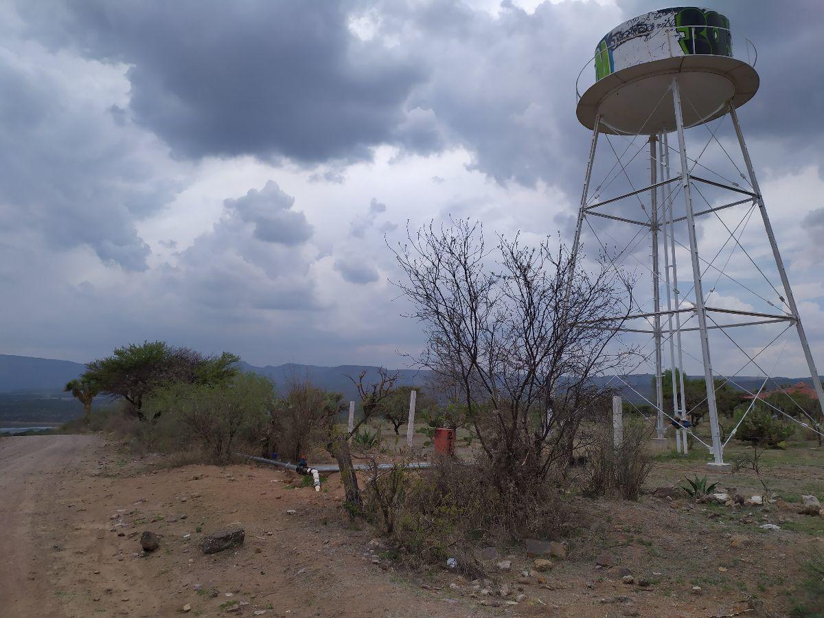 2 de 14: Junto al Pozo de agua
