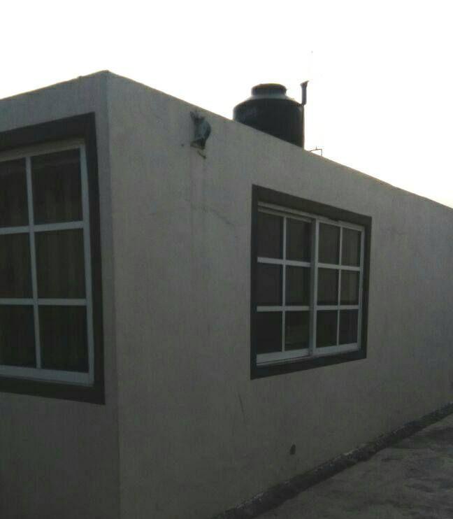 4 de 8: Casa secundaria un solo nivel, con uso de suelo comercial